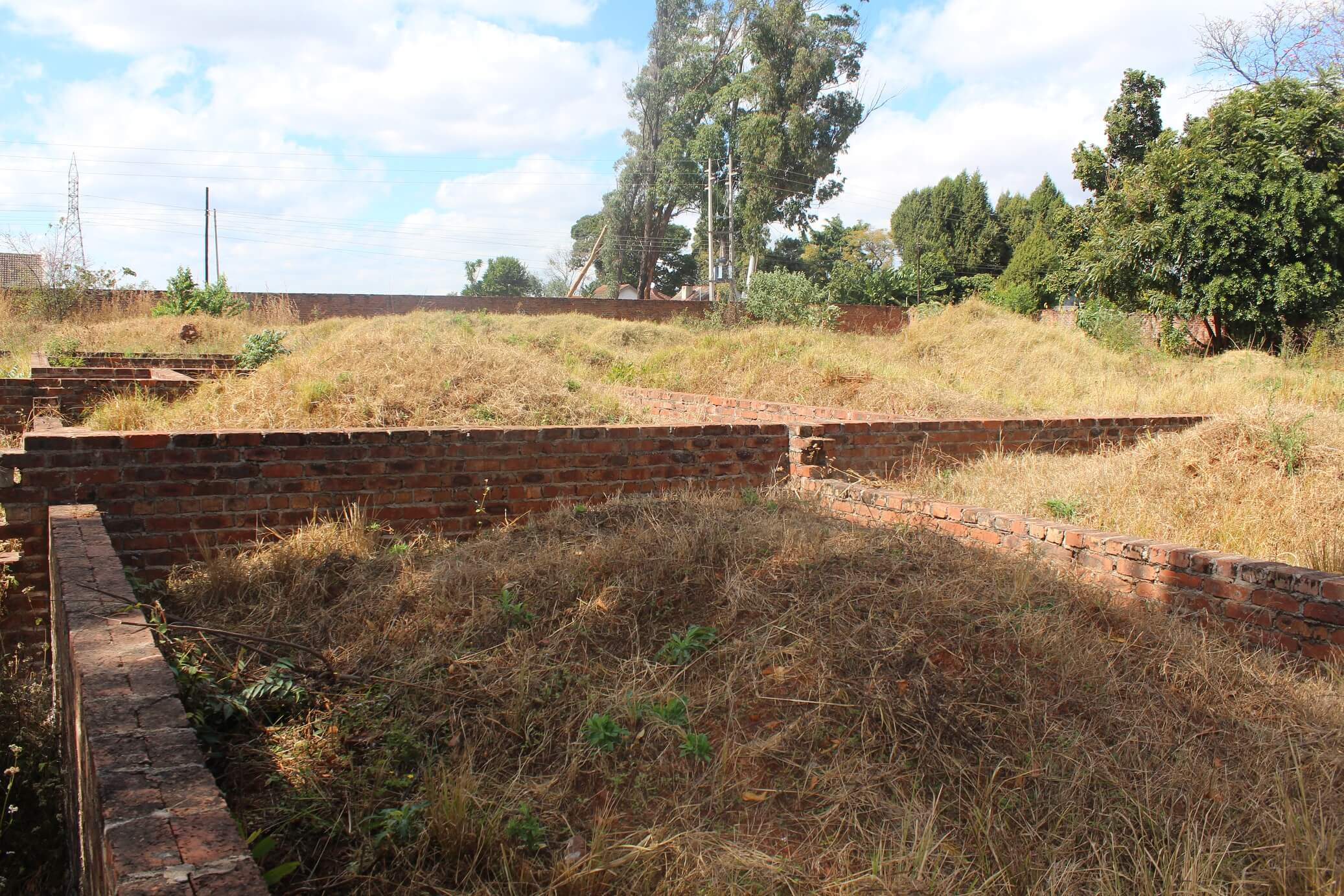 Property for Sale by Auction: Mandara